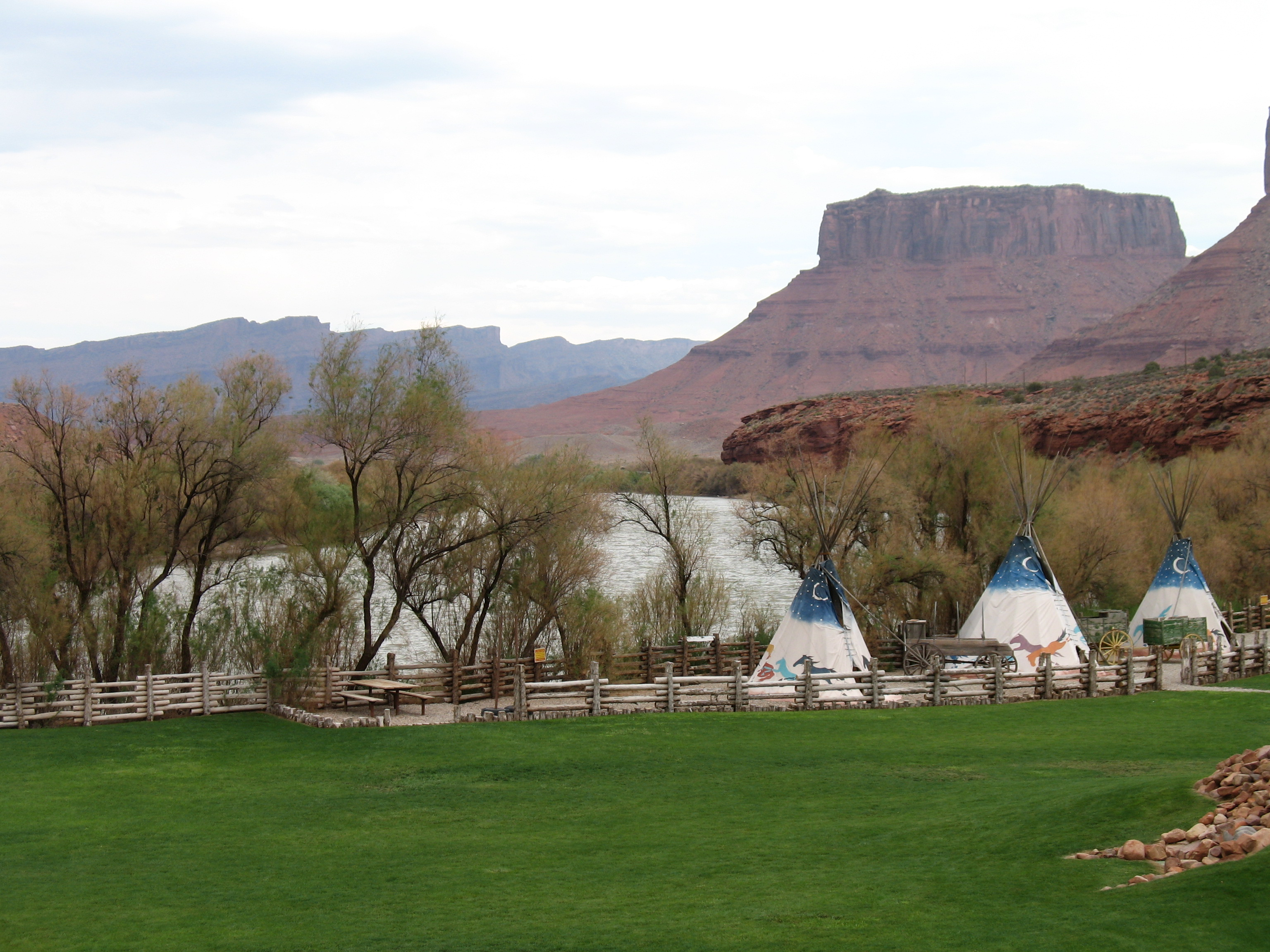 red cliffs dating site Now $200 (was $̶2̶7̶0̶) on tripadvisor: red cliffs lodge, moab see 2,782 traveler reviews, 2,763 candid photos, and great deals for red cliffs lodge, ranked #1 of 38 hotels in moab and rated 45 of 5 at tripadvisor.